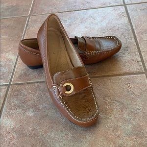 Naturalized Loafers
